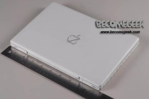 E' questo il primo netbook Apple???